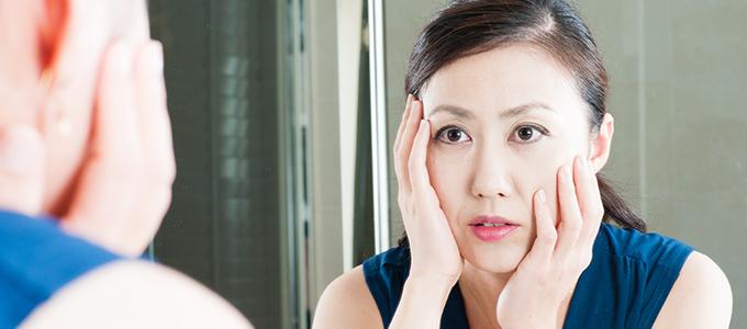 たるみ、老け顔の原因に! 顔の「ゆがみ」を引き起こすNG習慣