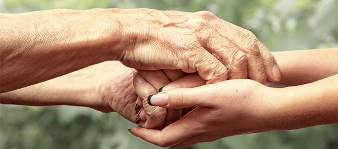 年齢は手に出る! 若々しい手を保つハンドケアのポイント