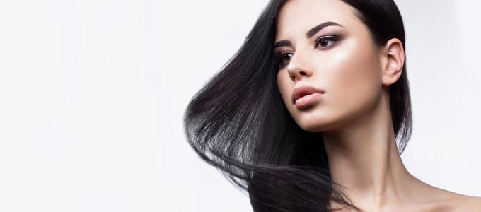 冬は髪も乾燥する! 毛先まで艶めく髪を手に入れるヘアケア方法