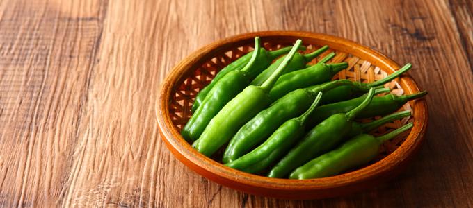 6月から旬!「ししとう」に含まれる栄養&キレイになれる簡単レシピ
